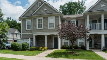 SOLD – 25623 Sun Sail Ct, Harrison Twp