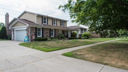 SOLD – 47810 Ben Franklin, Shelby Twp