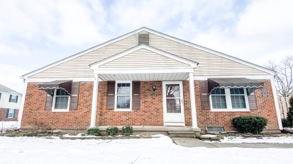 SOLD – 24729 Meadow Creek Dr, Harrison Twp.