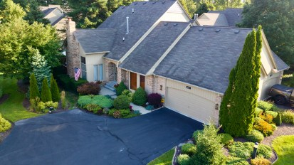 SOLD – 2171 Sandlewood, Shelby Twp.
