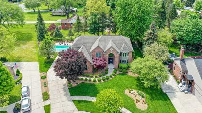 SOLD – 15182 Cranbrook Court, Shelby Twp.