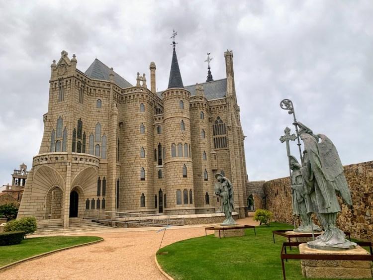 Camino De Santiago: Palacio Episcopal