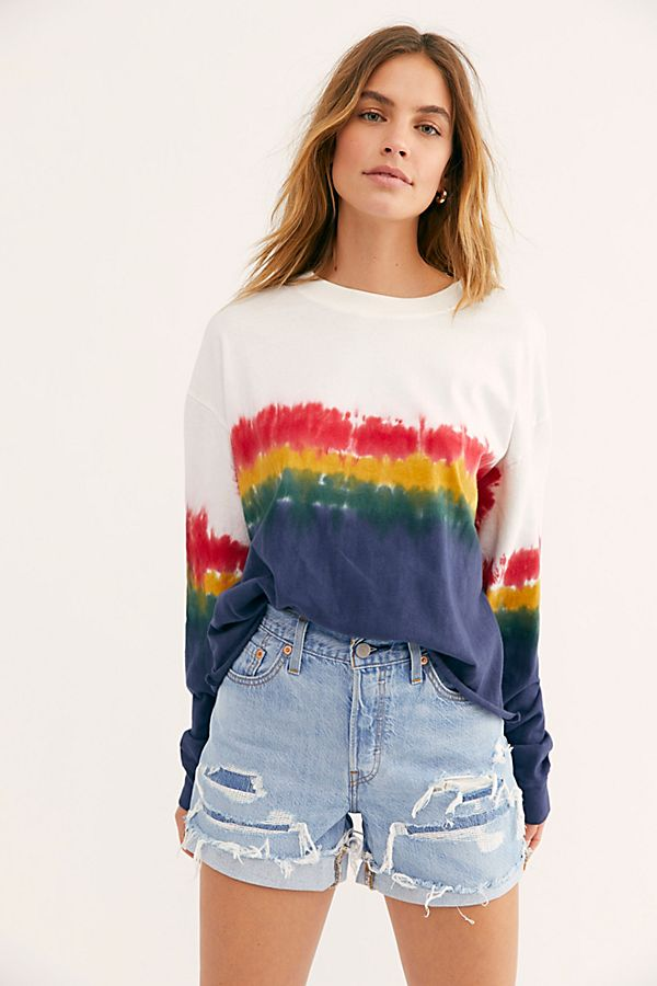 Tie Dye Sweatshirts are trending right now for quarantine, The Fashion That Is Trending During Quarantine