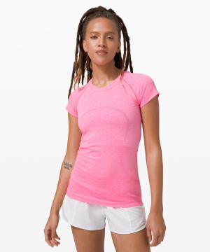 Swiftly Tech Short Sleeve 2.0 dark prism pink