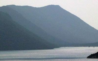 Dans la vapeur blanche des jours sans vent (Carnet de voyage en Turquie – 3 août) : Üçağız, Kekova, Dochiste (Apollonia), Geyikova Adası, Kaleköy (Simena)