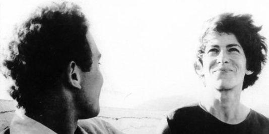 """Jean-Pierre Sergent et Marceline Loridan-Ivens dans le film documentaire français de Jean Rouch et Edgar Morin, """"Chronique d'un été"""" (1961)"""