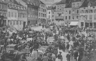 Echternach - Marktplatz am Monats