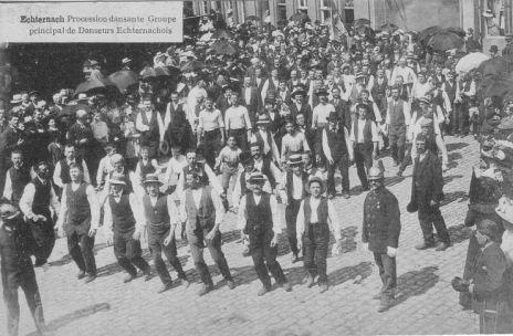 Echternach - Procession dansante - danseurs echternachois
