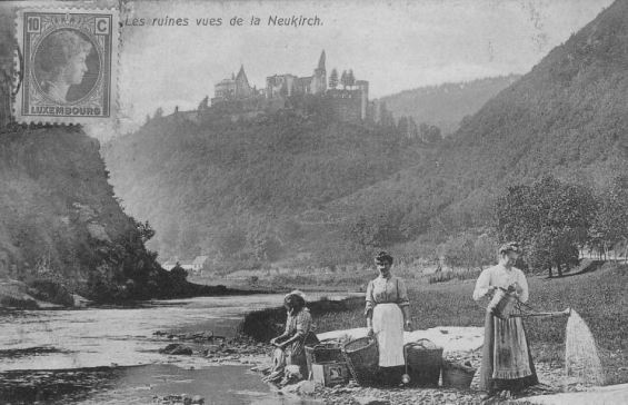 Château de Vianden (Luxembourg) - Les ruines vues de la Neukirch