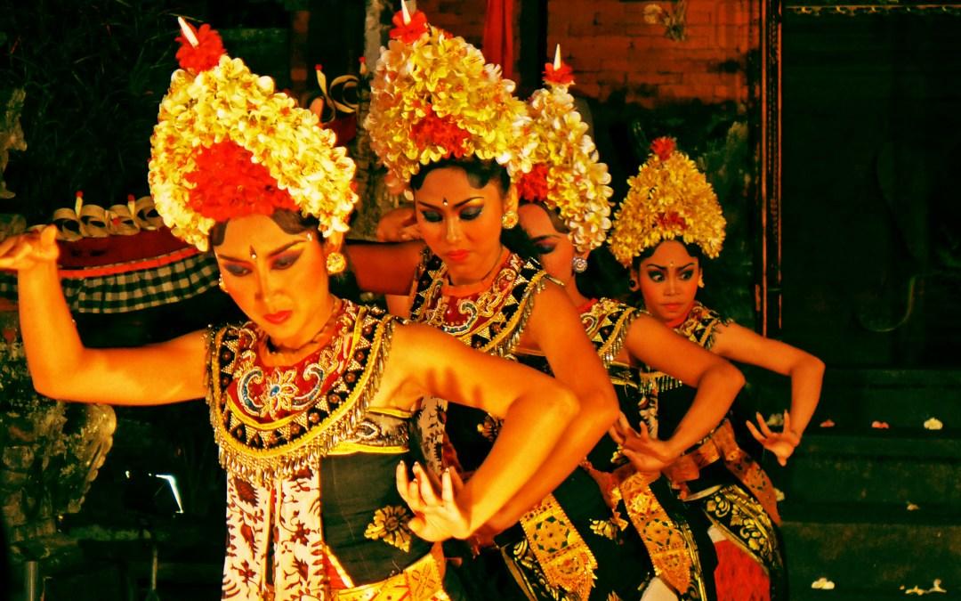 Des monstres et des démons à Bali : Barong au Pura Penataran Kloncing