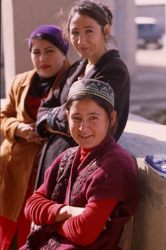 Women at the bazar in front of the Naqshband Mausoleum