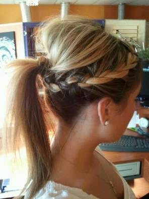 Cute-Side-Braided-Updos