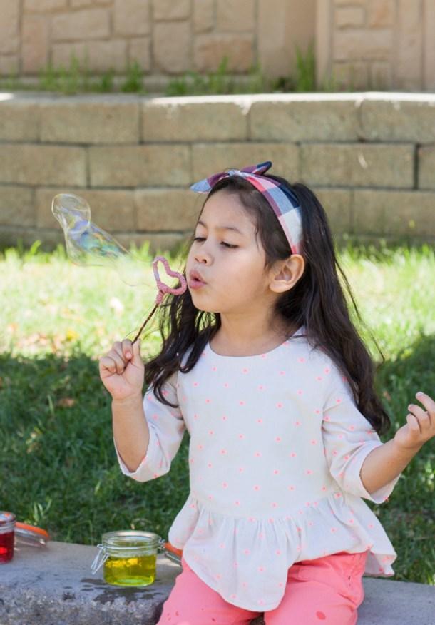 Homemade Bubbles - Día del Niño