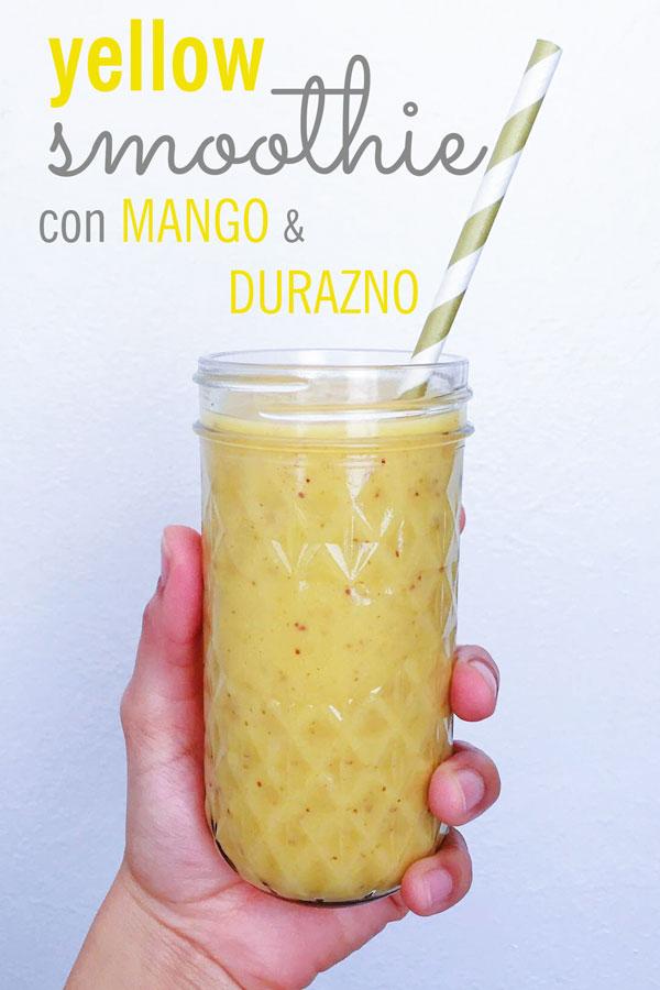 yellow smoothie con mango y durazno