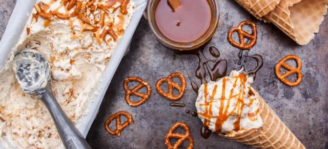 helado de caramelo salado y pretzels - salted caramel pretzel ice cream