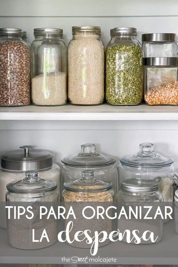 varios frascos con granos, legumbres, harinas y cereales con texto que dice tips para organizar la despensa