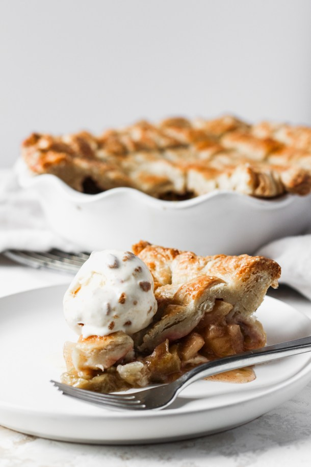 Rhubarb Apple Pie-4