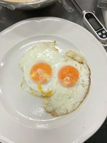 Fried Eggs (a bit fail)