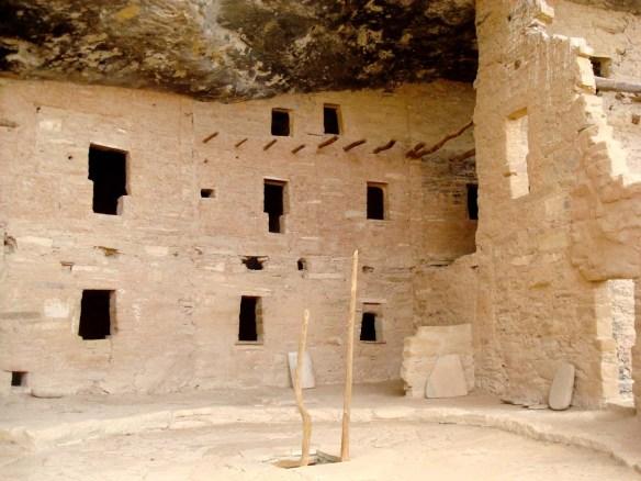Hopi_Keyhole Door