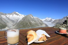 Gipfeli i kawa ze wspaniałym widokiem - kto wie, czy nie to lubię w górach najbardziej;)