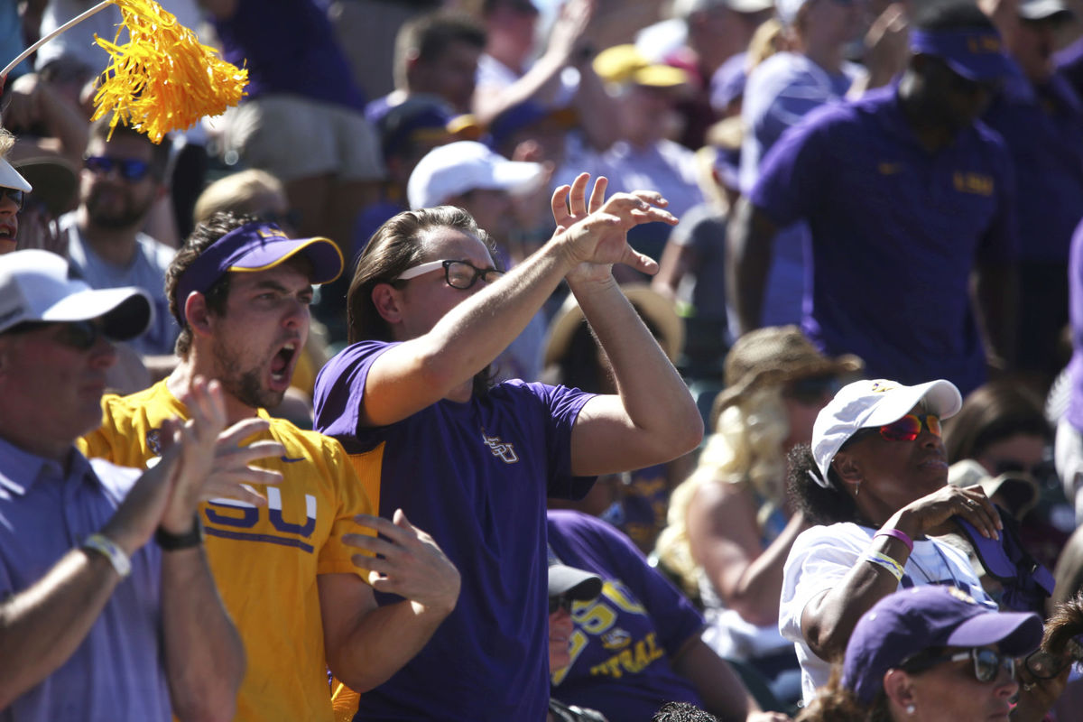 Blox Images LSU Fans