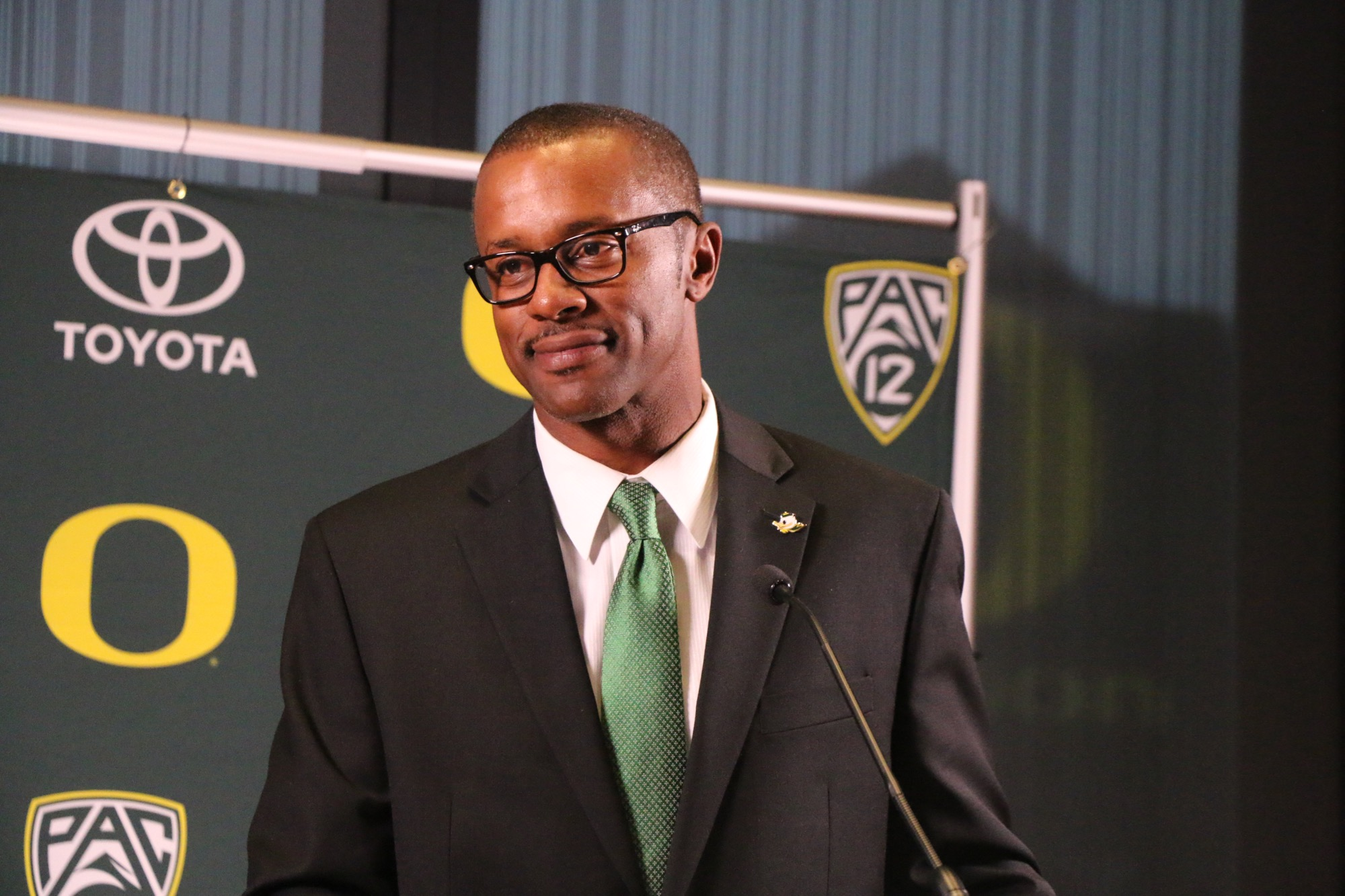 Head Coach Willie Taggart