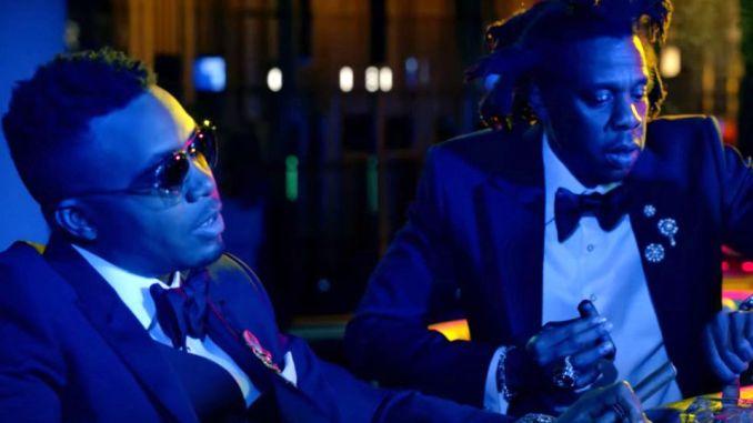 DJ Khaled réunit les deux légendes.