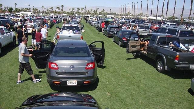parking-lot-234263_640
