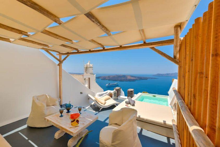 Deluxe Villa with pool in Santorini