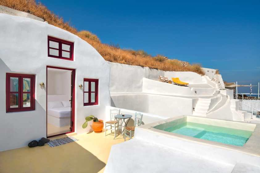Airbnb with a hot tub in Santorini
