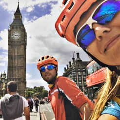bicycle couple in front of big Ben