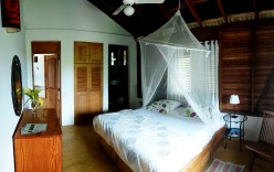 Doble bed room at the Clave Verde Ecolodge