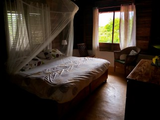 King sized bed room at the Clave Verde Ecolodge