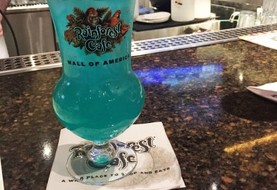 Six Things You Learn on a Mall of America Bar Crawl