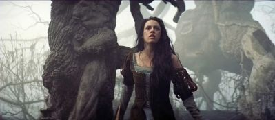 "Movie Review: ""Snow White and the Huntsman"": Mainstream ""it girl"" Kristen Stewart tries 2 become ""alt princess"""