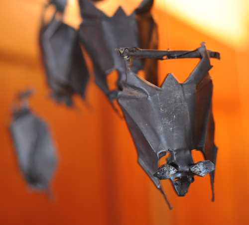 trash-bats