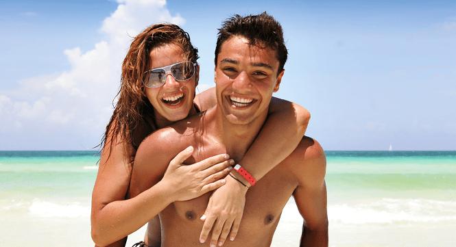Beach Couple RS
