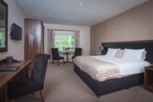 Executive bedroom in hotel (1)
