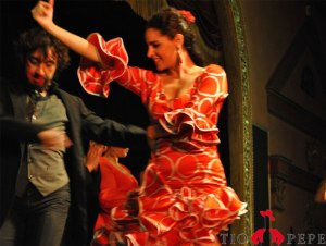 two-flamenco-dancers-and-tio-pepe-logo