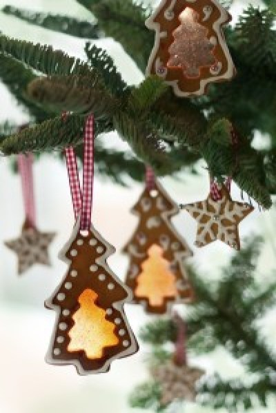 Gingerbread cookies on Christmas tree