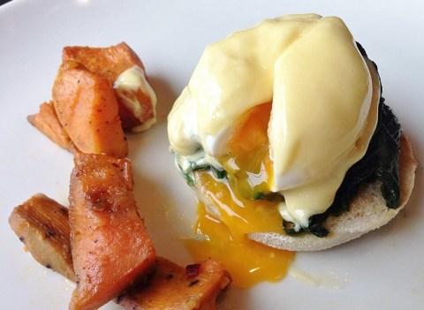 Eggs Benedict, Mushrooms and Spinach