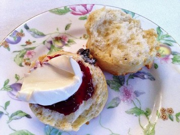 Scone, Clotted Cream & Raspberry jam