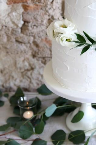 Greenery - Wedding Cake Trends 2017
