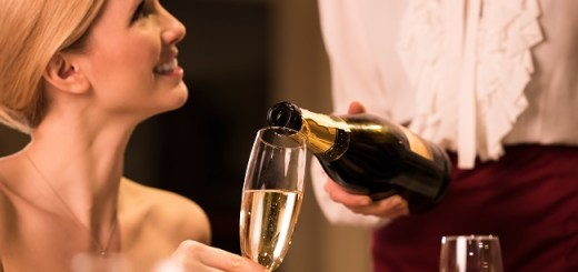 Prosecco Smile - What Is it and How to Protect your Teeth from it?