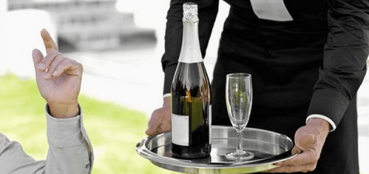 You've Been Drinking Champagne the Wrong Way all your Life | Champagne flutes