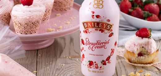 Strawberries and Cream Flavoured Pink Baileys Is Real and We Want It Now