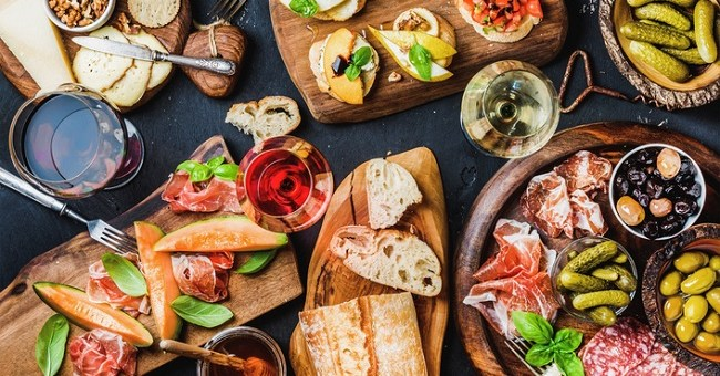 Food and Wine Pairing 101: How you Can Create a Match Made in Heaven