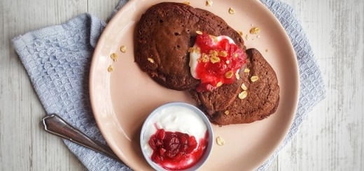 Dark Chocolate & Berry Oat Pancakes Recipe By Delalicious