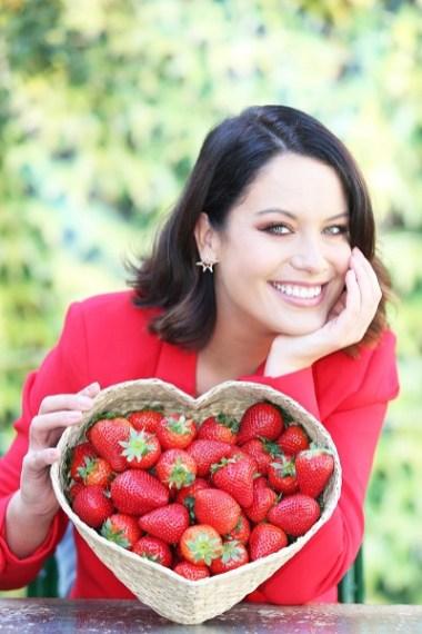 Aldi strawberries with Michele McGrath