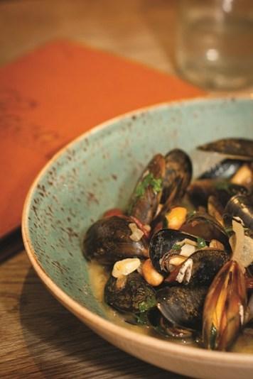 Cava Bodega Cookbook_ Julia Dunin_Mussels